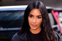Ким Кардашьян показала фото новорожденного сына и назвала его имя