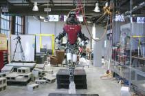 Роботов готовят к высадке на Марс (Видео)
