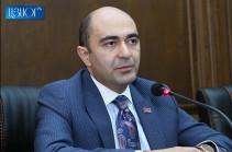 «Լուսավոր Հայաստանը» հորդորում է վարչապետին վերանայել դատարաններն արգելափակելու կոչը