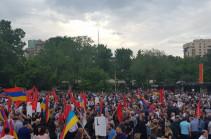 Желтая карточка правительству – АРФД проводит митинг на площади Свободы