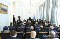 Никол Пашинян провел встречу с аккредитованными в Армении послами