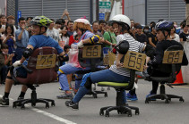 Ճապոնիայում անցկացվել է աթոռներով մրցարշավ (Տեսանյութ)