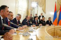 Դավիթ Փափազյանը պարզաբանել է, թե ինչ կարգավիճակով է ներկա գտնվել ՀՀ վարչապետի և ՌԴ նախագահի հանդիպմանը