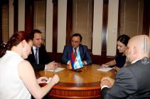 ՀՀ պաշտպանության նախարարն ընդունել է Արգենտինայի դեսպանին