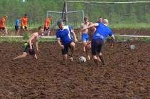 Кубок России по болотному футболу (Видео)