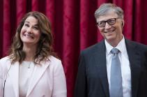 Билла Гейтса подвинули в тройке миллиардеров