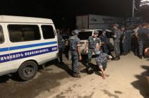 Իջևանում բախումների հետևանքով տուժել է շուրջ 25 ոստիկան, դեպքի վայր է մեկնել ոստիկանապետը
