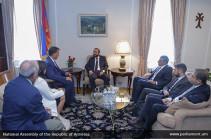 Спикер парламента встретился с представителями армянских организаций США