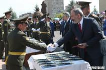 Офицерская служба, более чем любая другая, требует самых высоких волевых качеств – Никол Пашинян