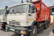 Աղբի խնդիրը աստիճանաբար կմեղմվի. Երևան է հասել աղբատար մեքենաներից ևս երկուսը