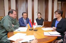 ՀՀ պաշտպանության նախարարն ընդունել է Կարմիր Խաչի Միջազգային Կոմիտեի ներկայացուցիչներին