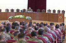 Состоялось служебное совещание под руководством командующего Армией обороны Карена Абраамяна