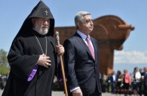 Серж Саргсян поздравил Католикоса Всех Армян по случаю дня рождения