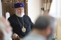 Մայր Աթոռի միաբանությունն ու պաշտոնեությունը շնորհավորել են Ամենայն Հայոց Կաթողիկոսին ծննդյան տարեդարձը