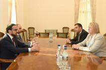 Տիգրան Ավինյանն ու Լատվիայի դեսպանը քննարկել են Երևան-Ռիգա ուղիղ չվերթի բացման հեռանկարները
