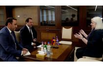 Դավիթ Տոնոյանը շնորհակալություն է հայտնել դեսպանին՝ պաշտպանության բնագավառում հայ-բրիտանական համագործակցության խորացմանը միտված գործունեության համար