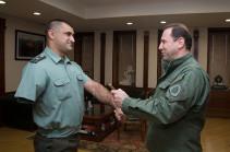 Министр обороны присвоил новое звание Саргису Степаняну