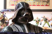 Доспехи Дарта Вейдера из «Звёздных войн» выставят на аукционе в США. Видео
