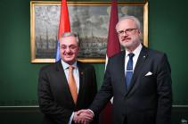 Альтернативы мирному урегулированию карабахского конфликта быть не может – президент Латвии