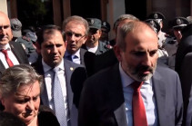 Give us opportunity to solve existing issues in turn: Pashinyan meets mothers of killed servicemen