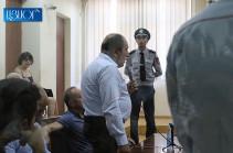 Դուք անձամբ, դռների տակ վնգստացող դատավորների ցուցակի մեջ կա՞ք. Քոչարյանի պաշտպանը՝ դատավորին (Տեսանյութ)