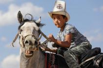 Որս և ձիասպորտ. Քոչվորների ազգային խաղեր (Տեսանյութ)
