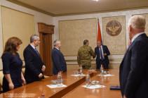 Командующему Армией обороны Карабаха Карену Абрамяну присвоено звание генерал-лейтенанта