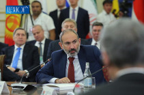 Armenia's PM voices importance of passing to national currency calculations in EAEU territory