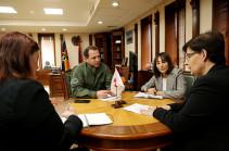 Դավիթ Տոնոյանը ԿԽՄԿ պատվիրակության ղեկավարի հետ քննարկել է ադրբեջանական կողմում անազատության մեջ գտնվող ՀՀ քաղաքացիների հարցը