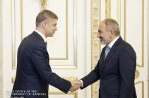 Глава РЖД Белозеров назвал Пашиняну главное условие продолжения модернизации железных дорог Армении