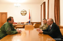 Armenia's DM, Artsakh president discuss army building issues