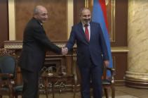 Երևանում հանդիպել են Նիկոլ Փաշինյանը և Բակո Սահակյանը (Տեսանյութ)