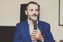 Դերասան Արտյոմ Կարապետյանը Հայաստան է վերադարձել