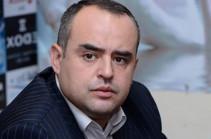 Ձերբակալում են ՍԴ նախագահ Հրայր Թովմասյանի սանիկ Նորայր Փանոսյանի փեսայի եղբորը. Աթանեսյան