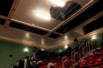 В лондонском театре Пикадилли обрушился потолок