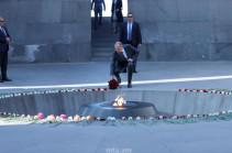 Сергей Лавров возложил венок к памятнику жертвам Геноцида армян (Фото)