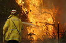 Australia bushfires: New South Wales battles 'catastrophic' conditions