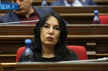 Наира Зограбян предлагает провести тест по армянскому языку среди депутатов и должностных лиц