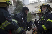 В Израиле загорелась фабрика после попадания ракеты из сектора Газа