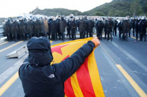 Сторонники независимости Каталонии блокировали дорогу на границе с Францией
