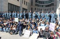 Считаем возмущение студенчества справедливым – заявление деятелей сферы культуры