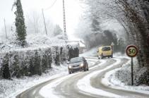 Во Франции выросло число домов, оставшихся без света из-за снегопада