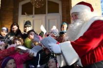 Санта-Клаус открыл почтовое отделение в Германии (Видео)