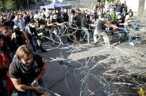В Ливане демонстранты блокируют подступы к парламенту