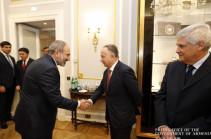 Վարչապետը Հռոմում հանդիպում է ունեցել Իտալիայի արտաքին առևտրի պետական գործակալության նախագահի հետ
