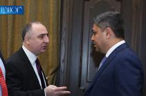 По делу о прослушке телефонного разговора между Артуром Ванецяном и Сасуном Хачатряном никто не задержан – СК Армении