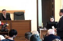 Суд удалился в совещательную комнату, решение по ходатайству прокуроров об отводе судьи Мхитаряна Папояна будет оглашено 9 декабря