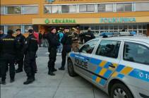 Gunman on run after deadly Czech hospital shooting