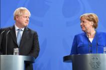 Меркель поздравила Джонсона с победой на выборах