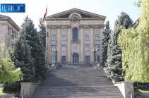 В парламенте завершилась встреча министра обороны с фракцией «Светлая Армения»